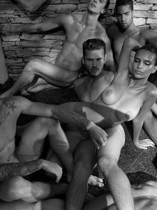 Emily-Ratajkowski-%E2%80%93-Treats%21-Magazine-Naked-Photoshoot-outtakes-%28NSFW%29-h7bdvkbk5j.jpg